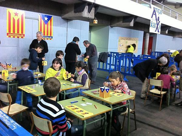 Resultado de imagen de niños en las escuelas de Cataluña